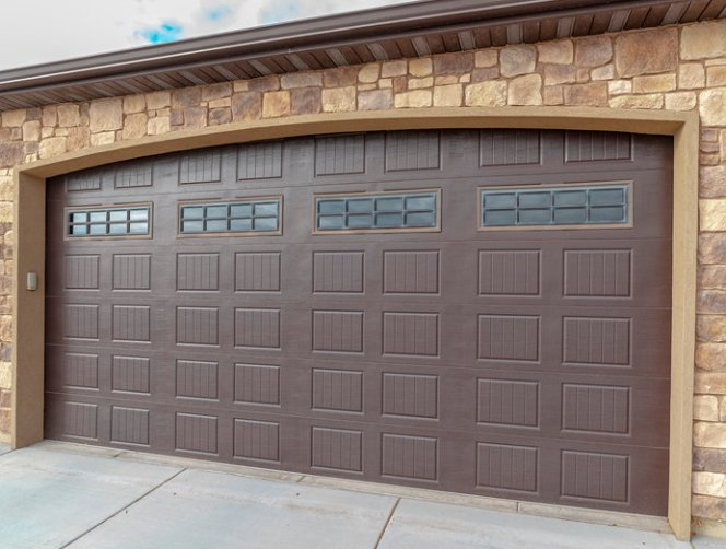 4 Reasons to Buy an Insulated Garage Door