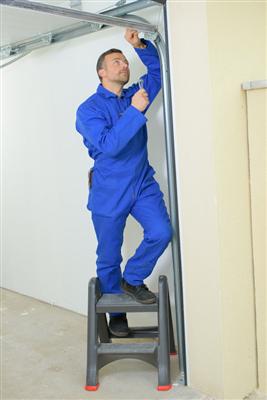 Get Help with These Five Garage Door Repairs