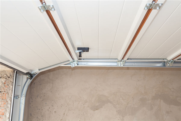 How to Tell if Your Garage Door Rails Need to Be Replaced