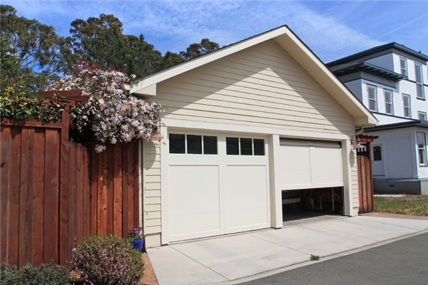 How to Keep Your Garage Door From Jamming