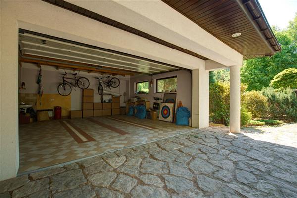 How to Make Your Garage Door Safe for Kids