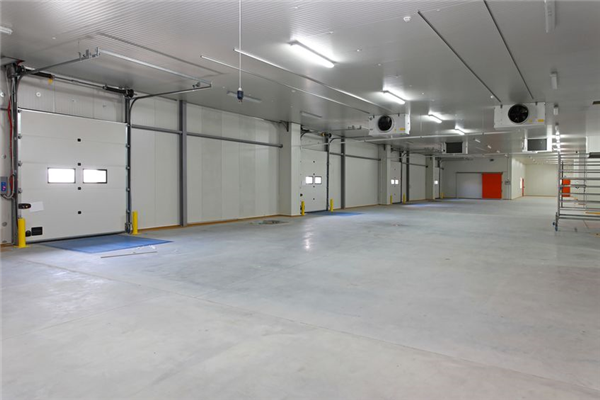4 Characteristics of High-Quality Commercial Garage Doors