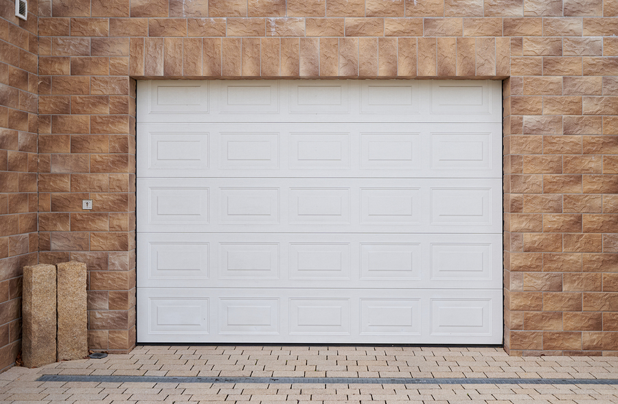 Tips for Spring Cleaning Your Garage Door