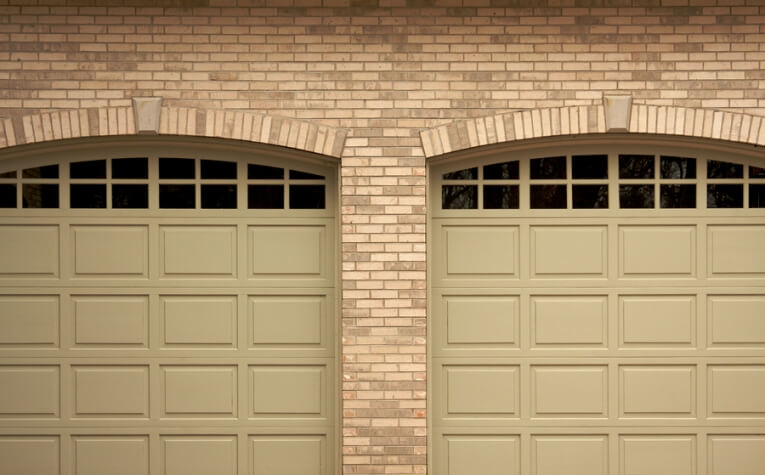 Looking for High ROI Home Upgrades? Garage Door Replacement Takes the Cake